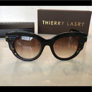 "Thierry Lasry ""slutty 101V46"" sunglasses. Black."